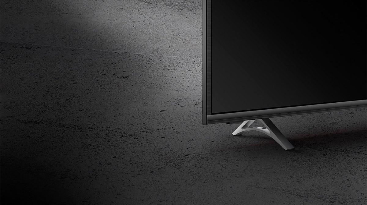Datorita designului subtire televizorul Kruger&Matz va arata bine fie ca il asezi pe o comoda TV, sau il montezi pe perete. Mai mult, carcasa de un negru mat ii confera stil, acesta reusind sa se incadreze perfect in decorul camerei tale.