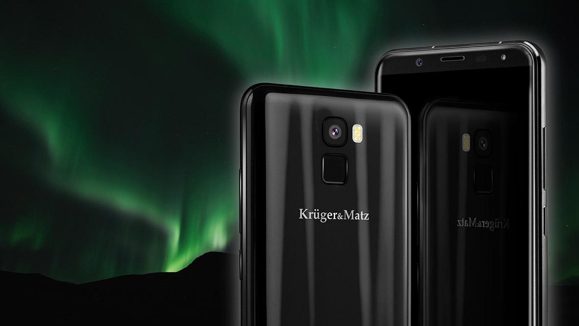 Smartphone-ul LIVE 6+ de la Kruger&Matz impresioneaza prin design-ul deosebit. Carcasa are reflexii in lumina si va atrage cu siguranta atentia. In plus, marginile rotunjite intregesc imaginea deosebita, iar produsul se potriveste perfect in mana.