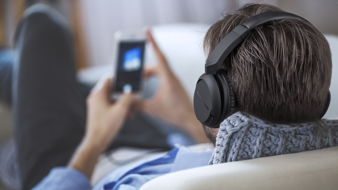 Ai nevoie de casti wireless, dar nu vrei sa pierzi din calitatea sunetului? Ai gasit modelul perfect pentru tine! Castile FLOW 2 Wireless iti ofera un sunet curat, profund pentru melodiile tale preferate.